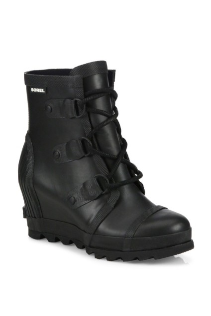 Wedge rain boots